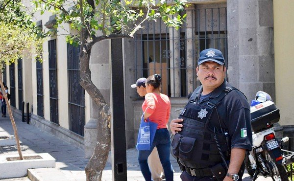 Police officer confidence testing in Mexico